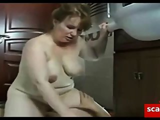 mature lady does young sponger