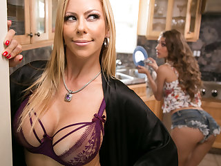 Mommy's good girl! - Overstep Lynn and Alexis Fawx