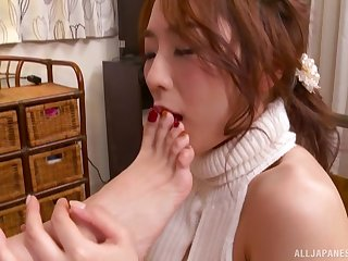 After lesbian fingering and licking Hatano Yui wants to reach orgasm