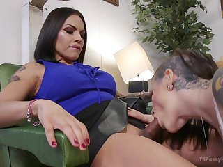 Tattooed protest Rizzo Ford gets her anus and pussy fucked by horny shemale