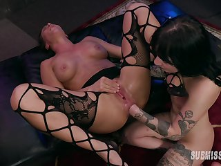 Squirting and fast play by means of Lezbo BDSM with Charlotte Sartre and Ariel X