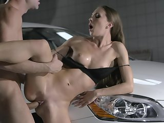 Slim beauty fucks standing coupled with tries new positions