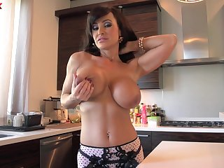 Cougar pornstar Lisa Ann with large fake boobs fucked by a stud