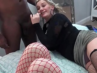 Nasty amateurs eating large dicks convenient a five some swinger orgy