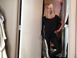 Kinky svelte blonde Jessica Drake shows off to whatever manner she gets ready for work