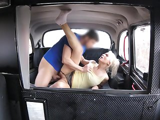 Slutty blonde MILF hooks up with her hung taxi cab State official