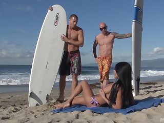 Incredible Anissa Kate gets smashed by two studs she met convenient the beach