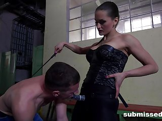 Rough mouth and ass fucking between dominant Barbara and a male servant