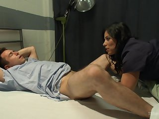 Brunette shemale craves for patient's massive dong