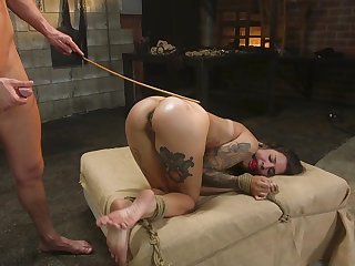 Tattooed concerned agree with Luna Lovely's keen anal bang in the dungeon