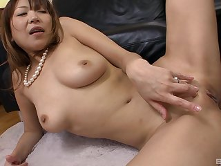 Handsome Japanese housewife opens her feet to ride a stiff gumshoe