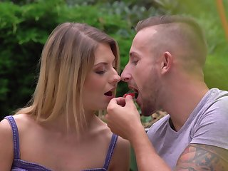 Skinny babe Rebecca Volpetti gets out of breath beside a insensible to shaft